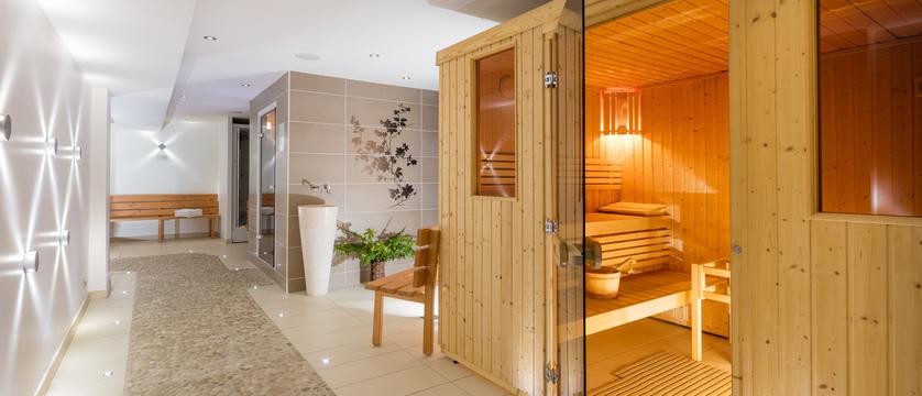 france_portes-du-soleil-ski-area_morzine_hotel-les-airelles_spa-area.jpg